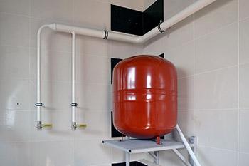 Расширительный бак в системе отопления бани фото